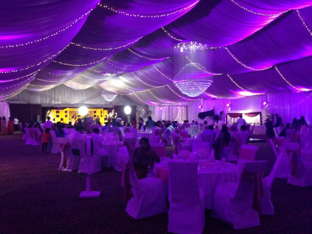 Wedding tents for 300 people - We Offer Luxury Wedding Marquees For Sale In All Sizes And Shapes Our Wedding Marquee Hold More Than 500 Seat People With Maximum Width Over Outdoor Venues