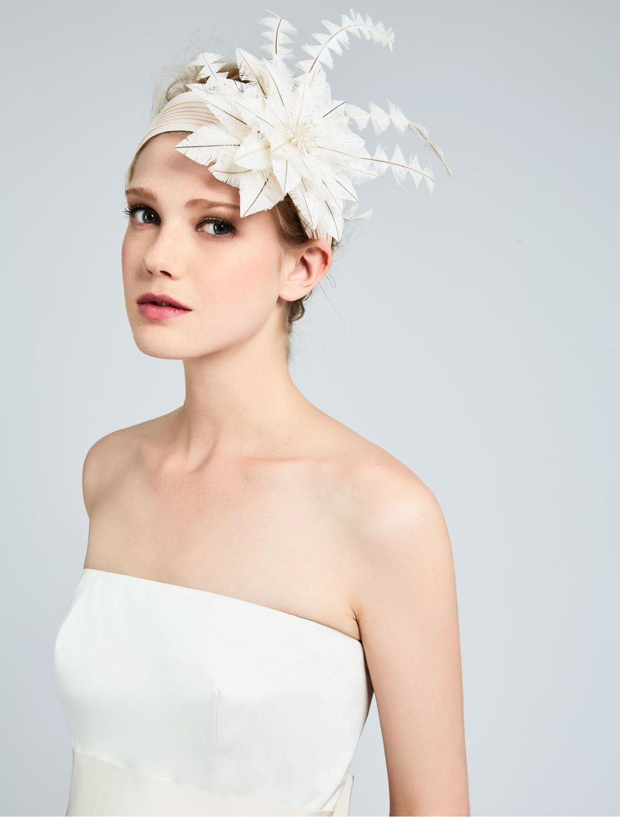 INNO, 1920s inspired fascinator in pleated fabric, decorated with a ...