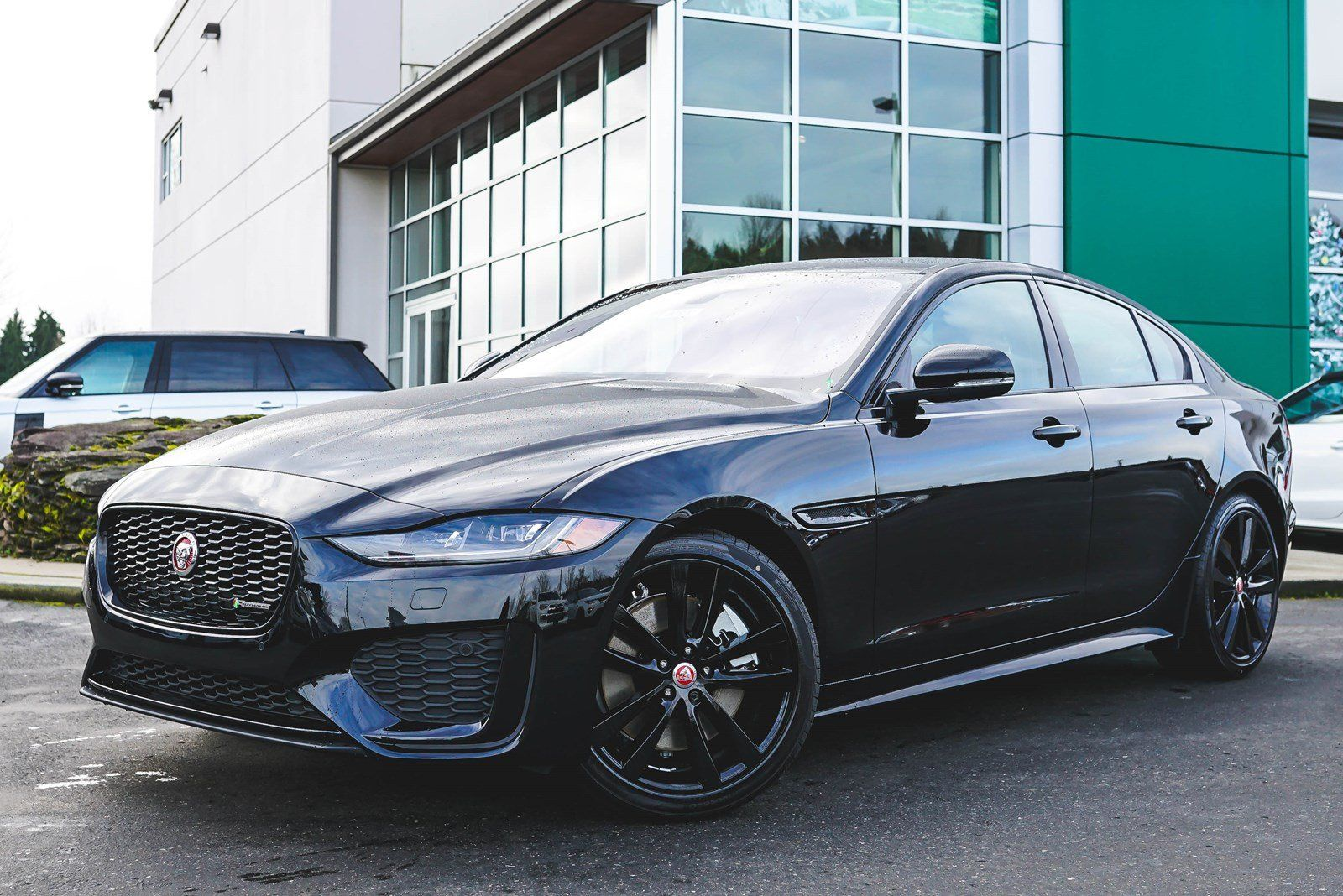 31 New Cars Suvs In Stock Redmond Jaguar Bellevue Jaguar Xe Jaguar Jaguar Car