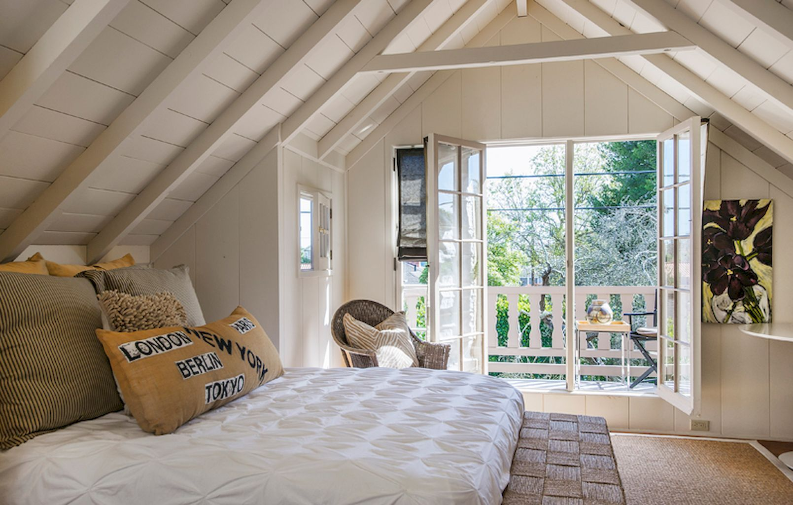Upstairs loft bedroom ideas  Gorgeous  Glamorous Dream Master Bedroom Decor Ideas And Remodel