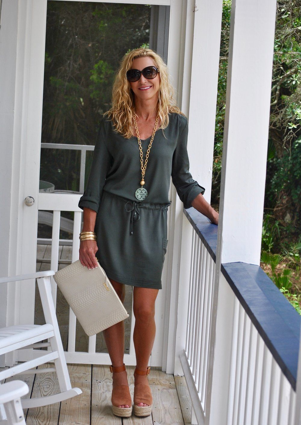 15 Summer Outfit Ideas In 2020 Summer Outfits Women Over 40 Summer Outfits Women 30s Clothes For Women Over 40 [ 1414 x 1000 Pixel ]