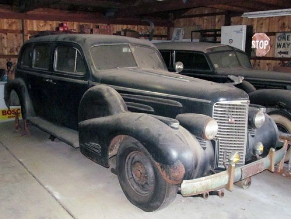 1938 Cadillac V16 Maintenance of old vehicles: the material for new