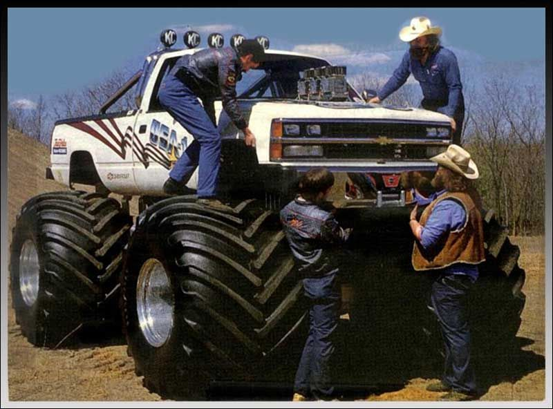 The Usa 1 Could Be Bought With No Motor A Kyosho Motor Or An O S Motor From Tower Description From In 2020 Monster Trucks Big Monster Trucks Truck And Tractor Pull