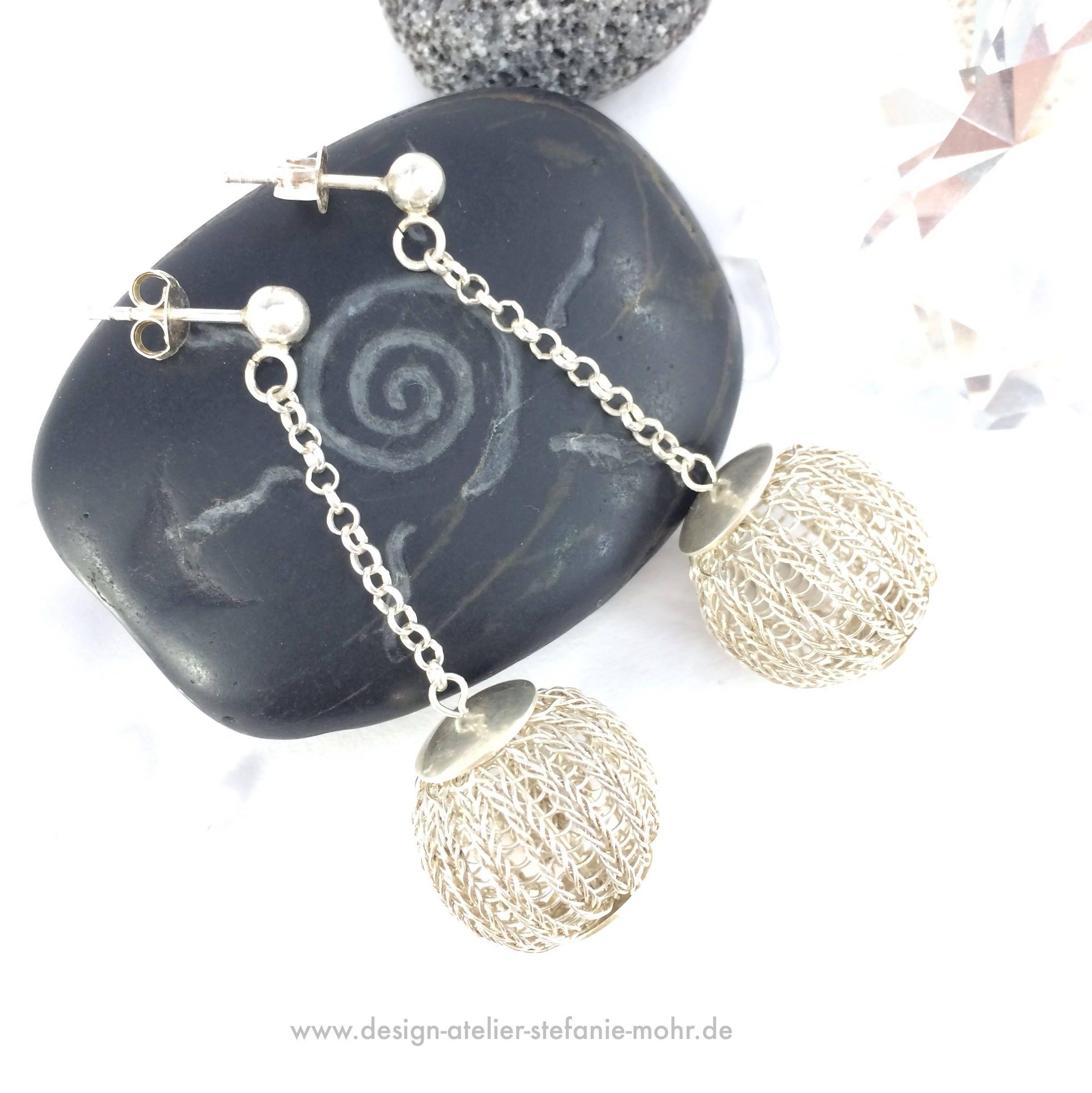 Sterling silver wire crochet BUBBLE-EARRINGS | Kugel, Hände und Stricken
