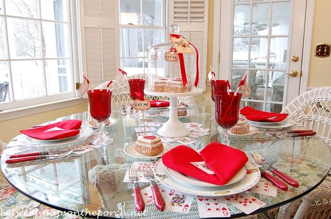 Whimsical Valentine\'s Day Tablescape, Alice in Wonderland Style ...