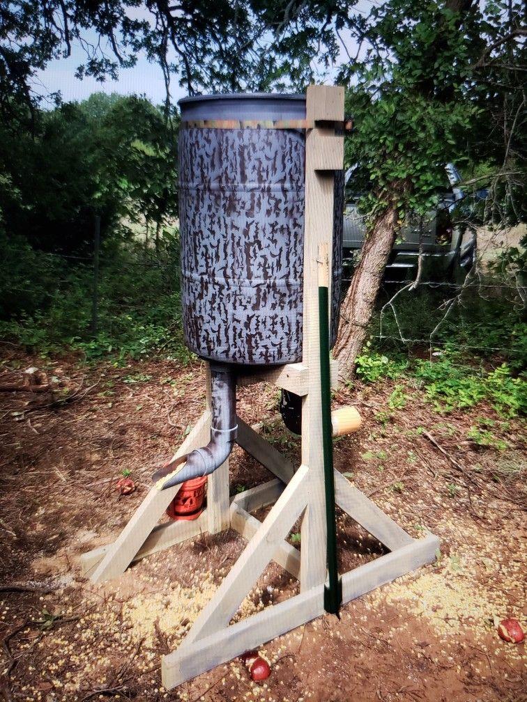55 Gallon Drum Deer Feeder Deer feeders, Deer feeder diy