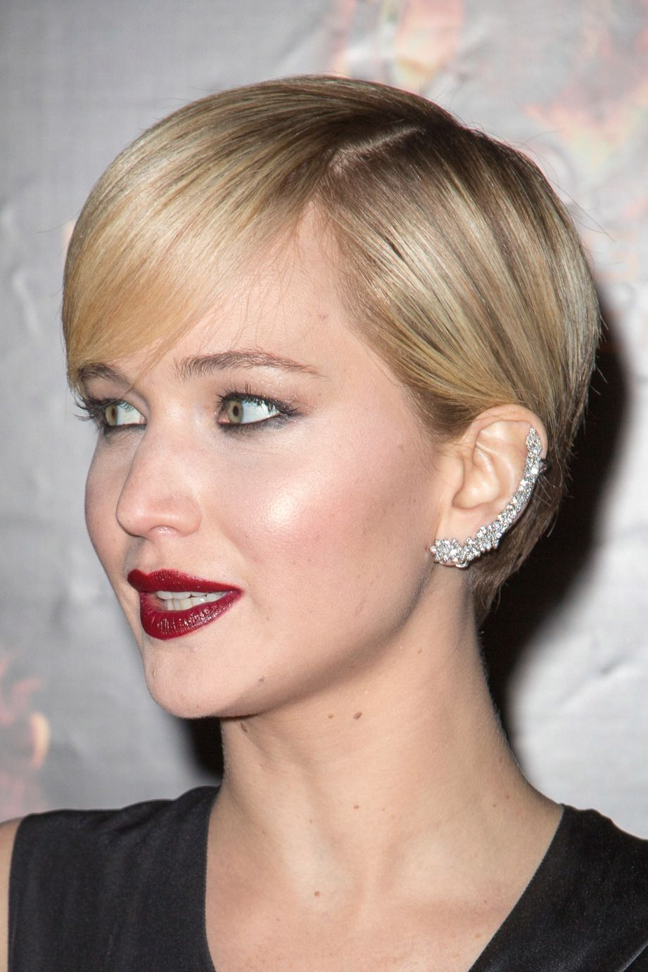 Want a sparkling ear cuff inspired by jennifer lawrence for less