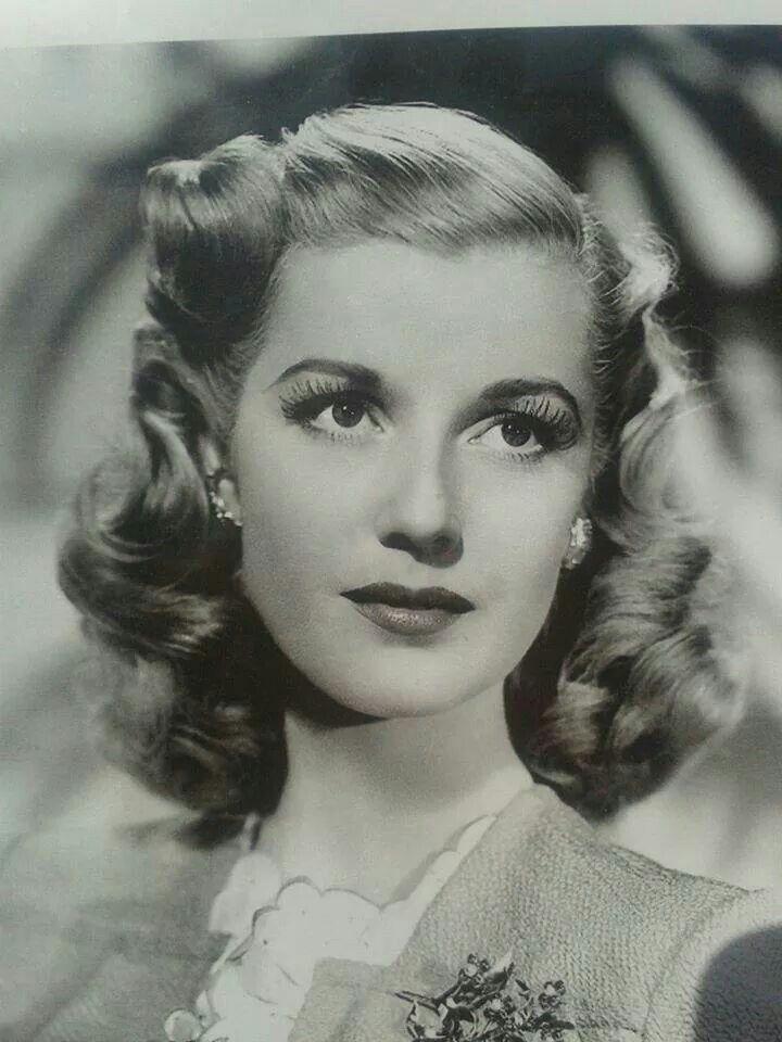 Vintage 1940 Hair And Makeup Coiffure 1940 Pinterest Makeup