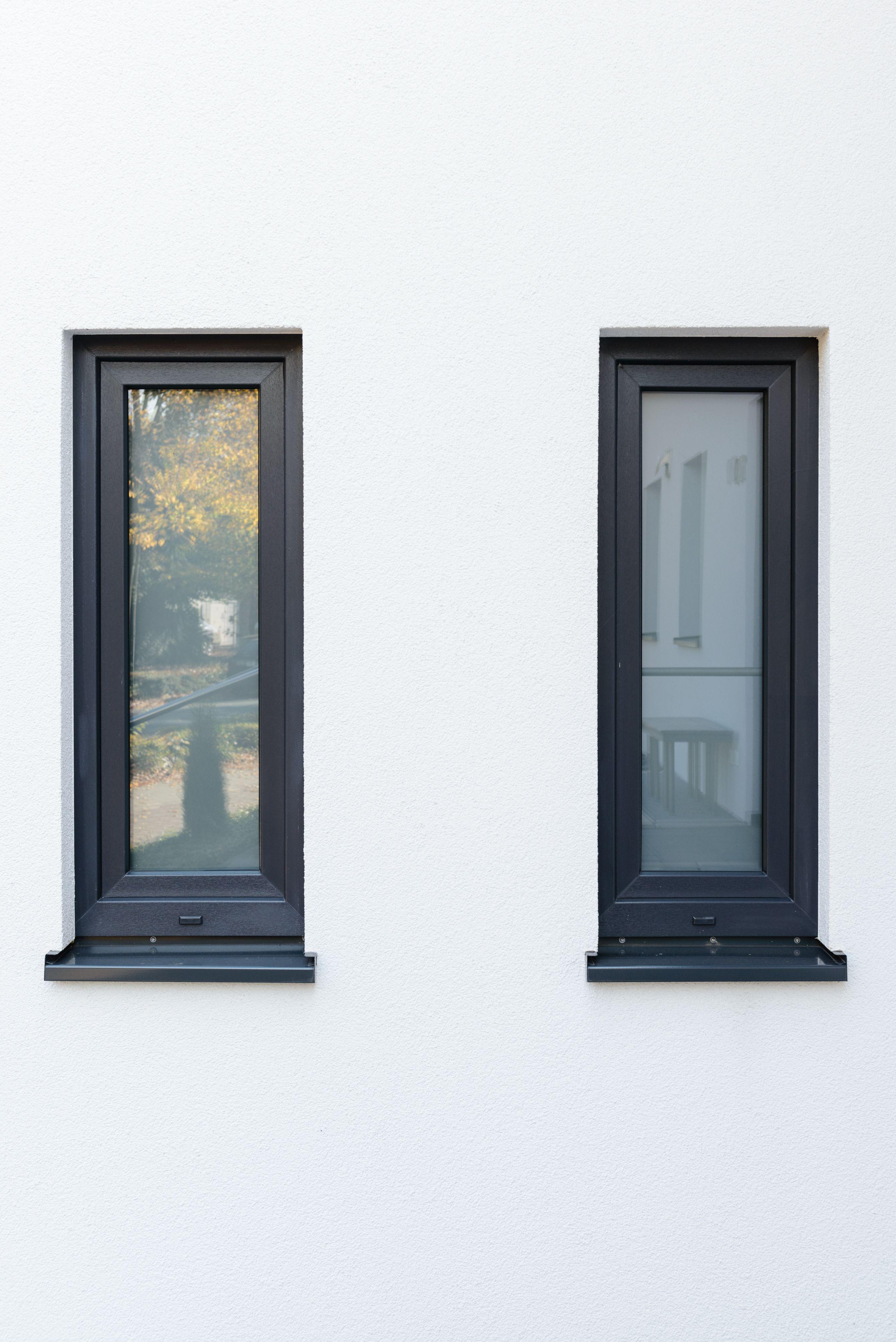 Kunststofffenster Anthrazit fenster und fensterbank in anthrazit fenster fassade