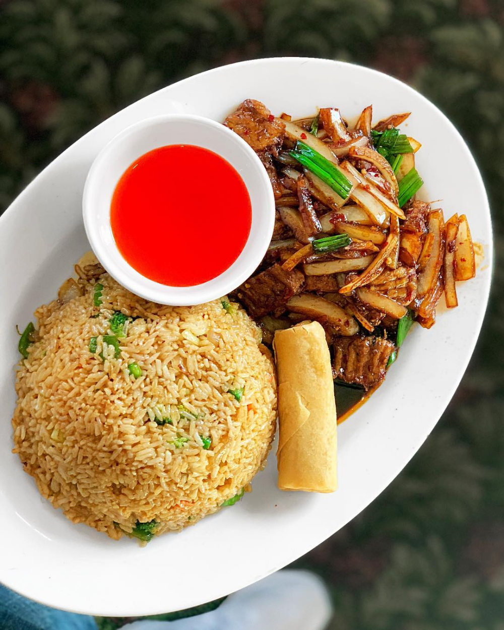 An Essential Guide To Restaurants Serving Vegetarian And Vegan Food In Detroit Chinese Restaurant Food Vegan Recipes