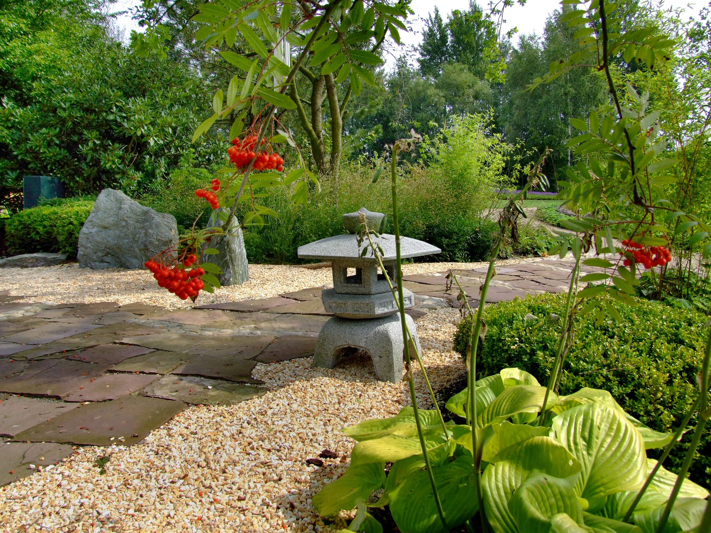 In Der Parkanlage Des Blumenreichs In Wiesmoor Findet Man Viele Themengarten Und Idyllische Platze Zum Entspannen Hier Kann Man Garten Bauerngarten Parkanlage