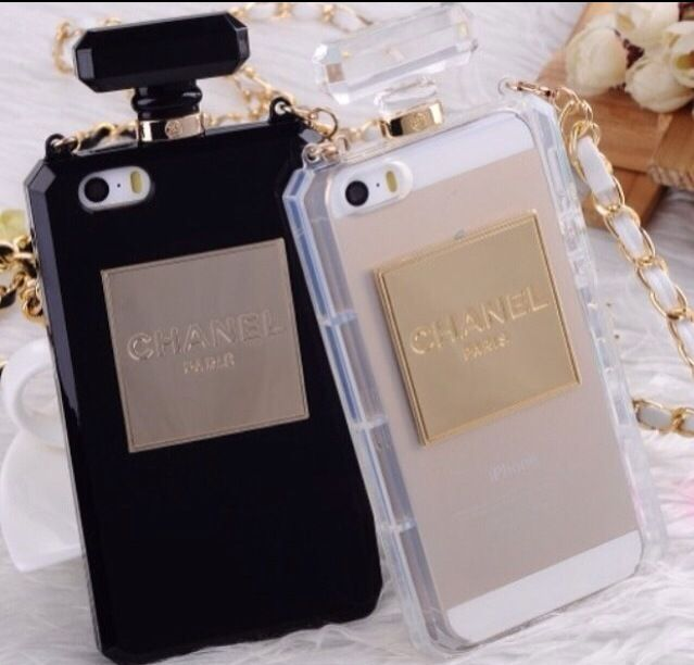 This Fashion Inspired Perfume Bottle Clutch Case is one of kind! Perfect for a fashionista! Protect your phone in style! The case comes nicely packaged and makes a great present.Available Colors are Black and Clear/TransparentComes for iPhone 5/5S/5C, Samsung Galaxy S4, and Samsung NOTE 2