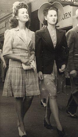vintage 1940s en 2019 Tenue vintage, Robes vintage et