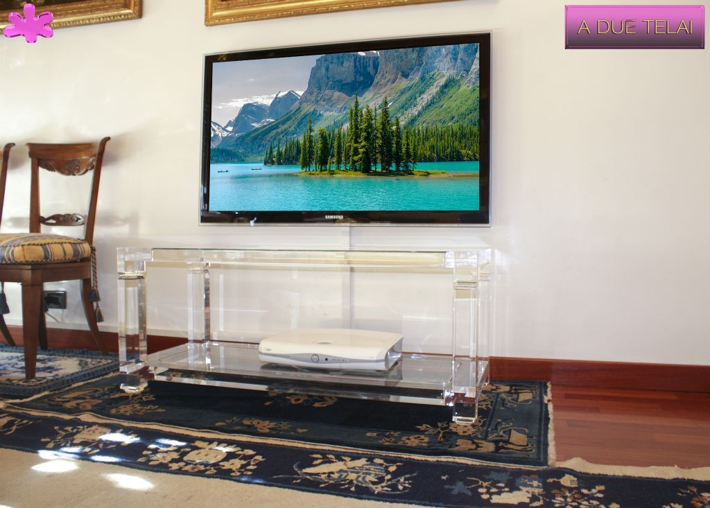 Porta Tv Plexiglass.Mobili Tv In Plexiglas 02 Mobile Trasparente In Plexiglas