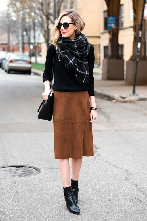 A Blogger-Approved Way To Style A Suede Skirt (Le Fashion) | Suede ...