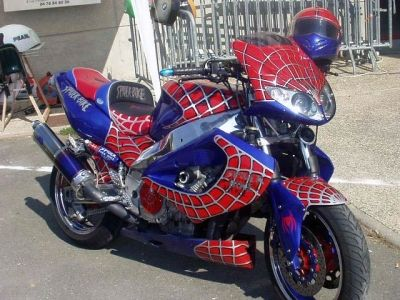 Moto Et Super Heros Le Tour De Spider Man Spiderman Man Heros