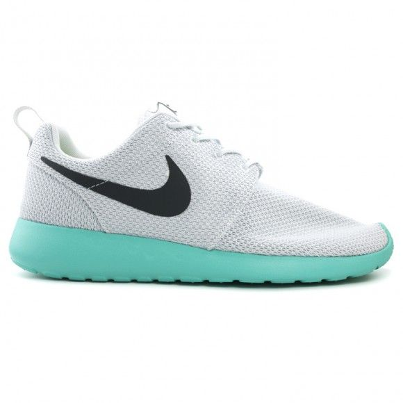 size 40 6cede 79e58 Nike Roshe Run - never seen them but they are sick!