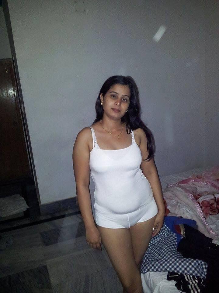 Hot Gujarati Bhabhi