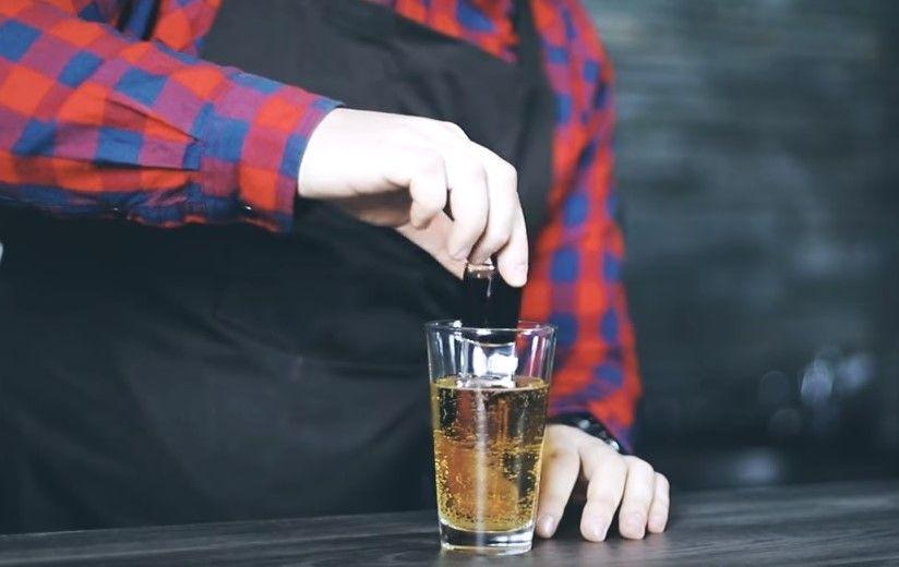 Jagermeister Wszystko Co Powinienes Wiedziec O Ziolowym Likierze Ciekawostki Drinki Koktajl Tv Aperol Spritz Aperol Spritz