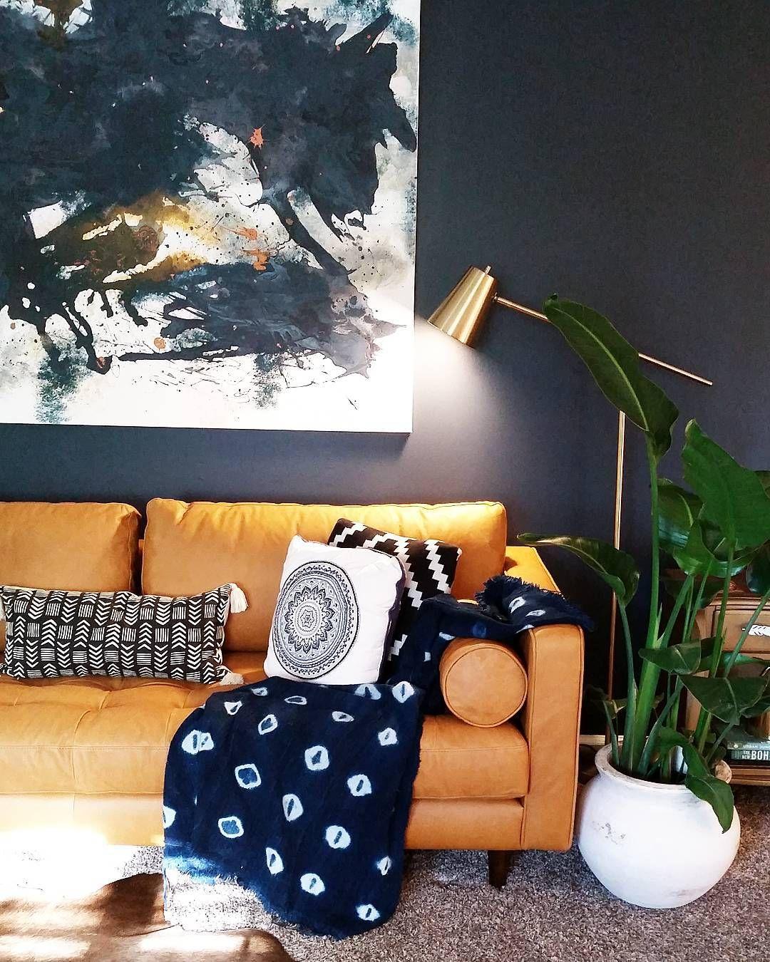 Best Benjamin Moore Hale Navy Dining Room Walls Brown Living 640 x 480