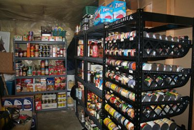 BUILDING YOUR FOOD STORAGE IN SIX MONTHS