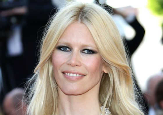 Claudia Schiffer pairs bleached brows with dark eye makeup | brows ...