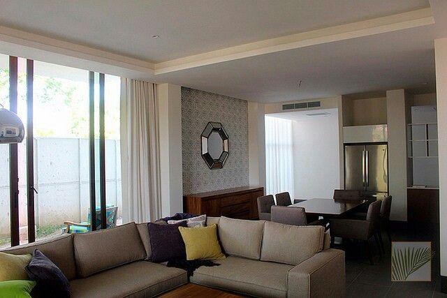 Papel tapiz y cortinas de tela actual moderno y cálido para combinar con cualquier estilo Todo en cortypers@hotmail.com