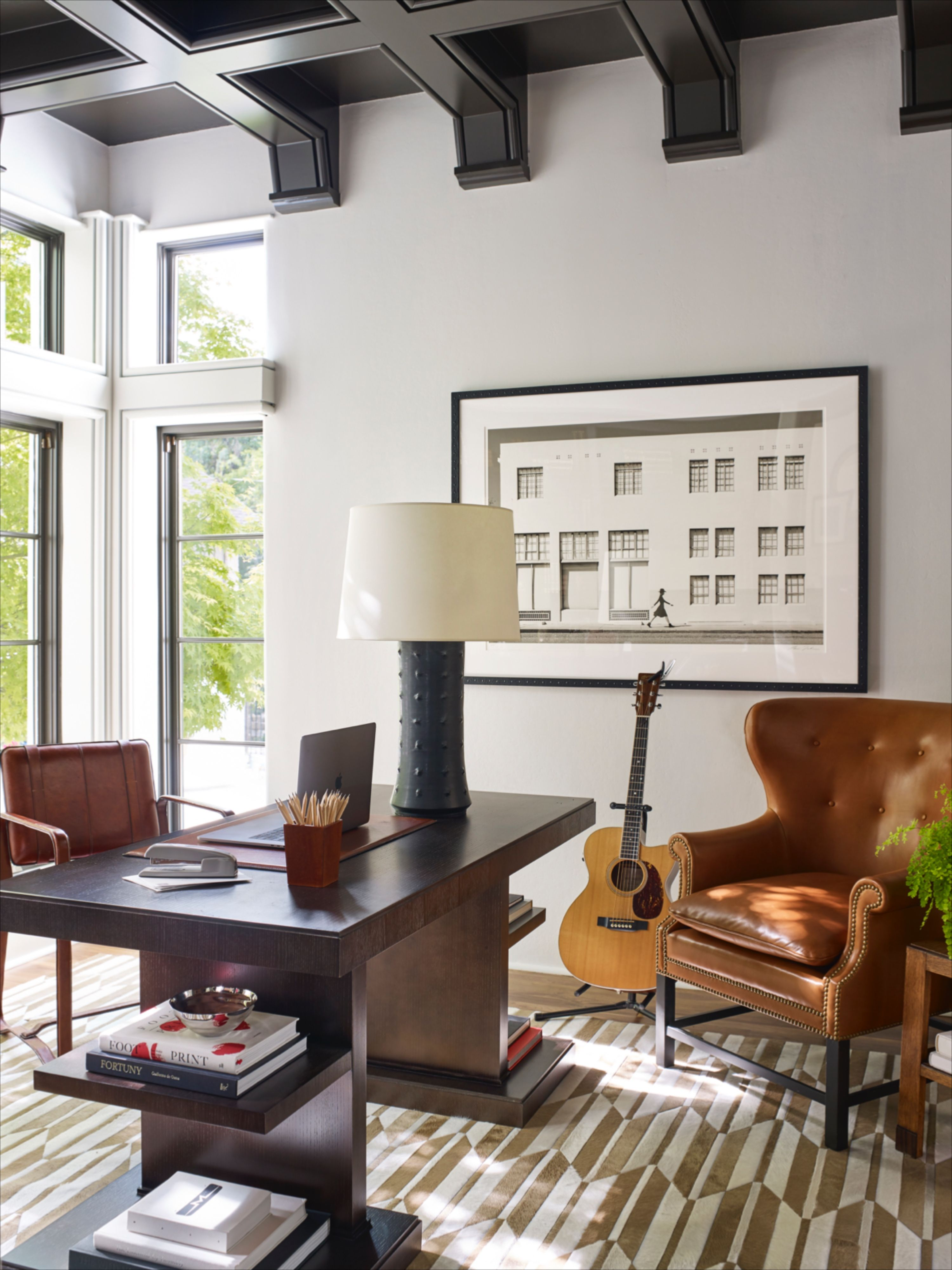 #glamofficespace #rusticofficespace #elegantoffice #officedesign #leatherchairsoffice #homeofficeinspo #homeofficeinspiration #luxuryhomeoffice #luxuryhomedesign