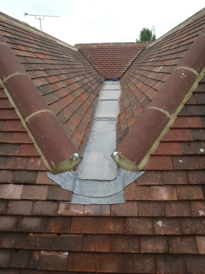 Box Gutter Leaded And Tiled Timber Roof Box Gutter Roofing