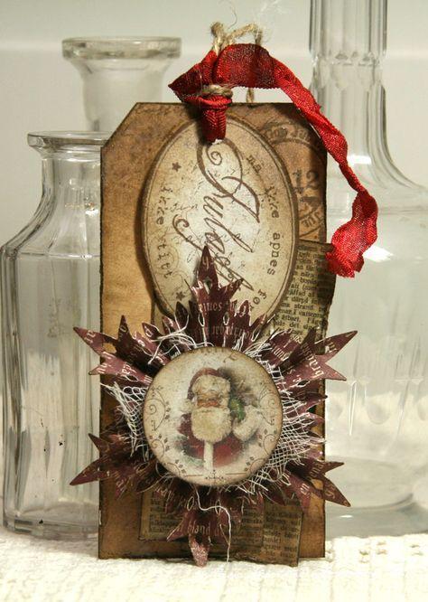 Grungy Snowflake Rosette...Anne Kristine:http://annespaperfun-aksh.blogspot.com/2012/11/pakkelapper.html#.