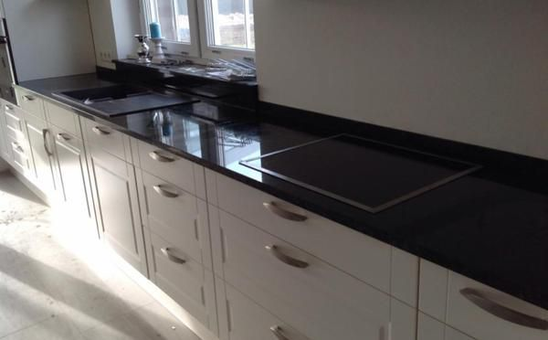 Lieferung Granit Arbeitsplatte, Wischleiste und Fensterbank Star - arbeitsplatten granit küche