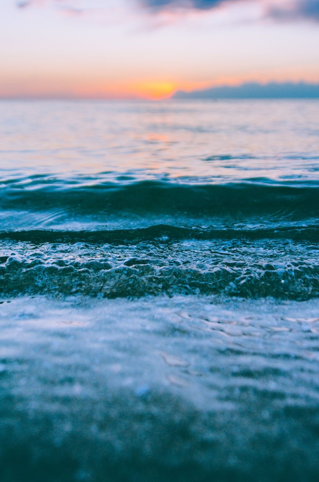 Water Ocean Sea And Nature Hd Photo By Linda Xu Rhindaxu On Unsplash Iphone Wallpaper Ocean Beach Wallpaper Iphone Ocean Wallpaper