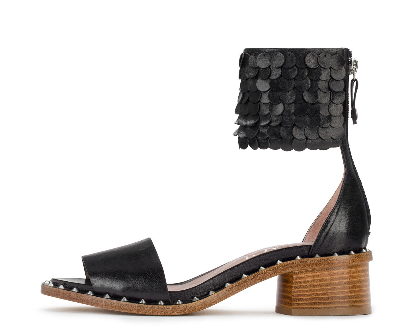 Sandal with leather sequins. #aglshoes #shoes #sandal #leather #black #studs #rock #feminine