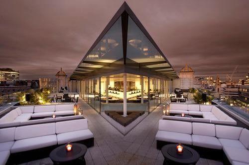 Drink It In 8 Amazing Rooftop Bars In London London Rooftop Bar Best Rooftop Bars London Rooftops