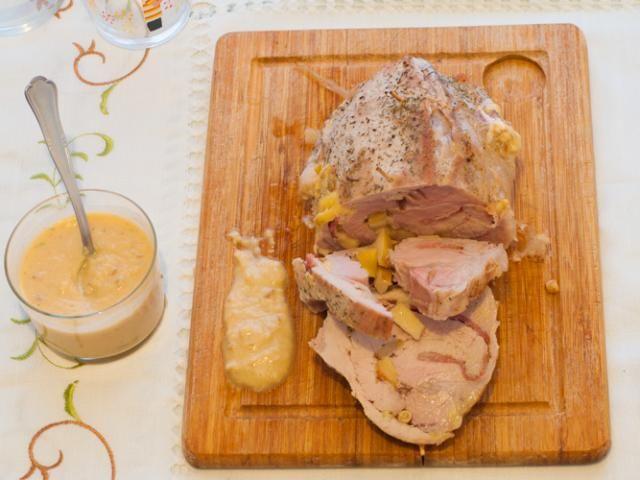 Receta de lomo de cerdo relleno de manzana, piñones, bacon y queso