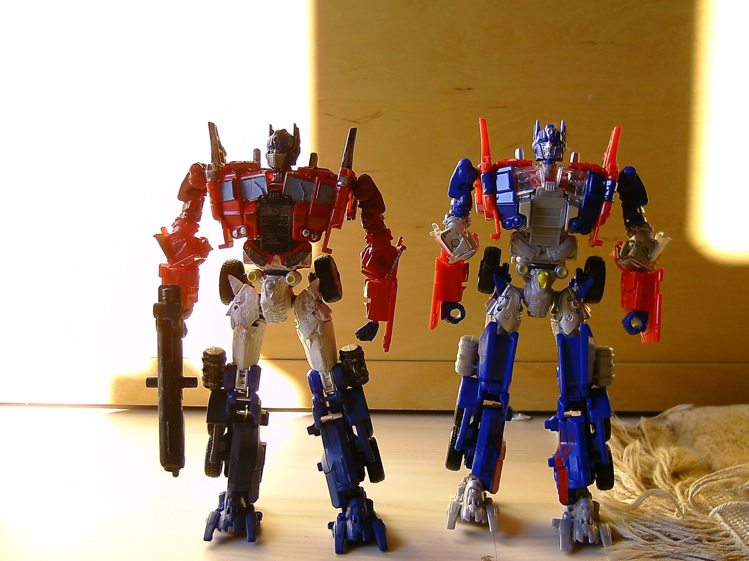 Evasion mode optimus prime repaint faceplate added ball jointed hands repainted by