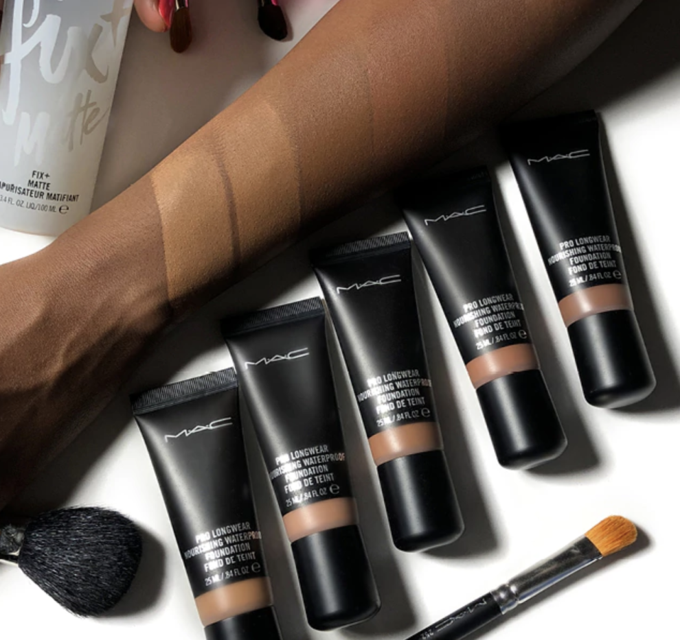 MAC Pro Longwear Nourishing Waterproof Foundation for