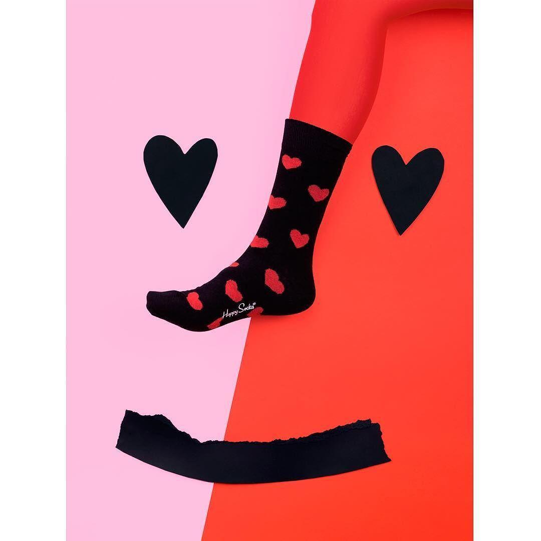 Valentine's Day!  @happysocksofficial #AllThatPuppyLove #Vday #valentines #HappySocks #HappinesEveryWhere  #mireiaysuscosas #cocolia #mireiaruiz by mireiaysuscosas