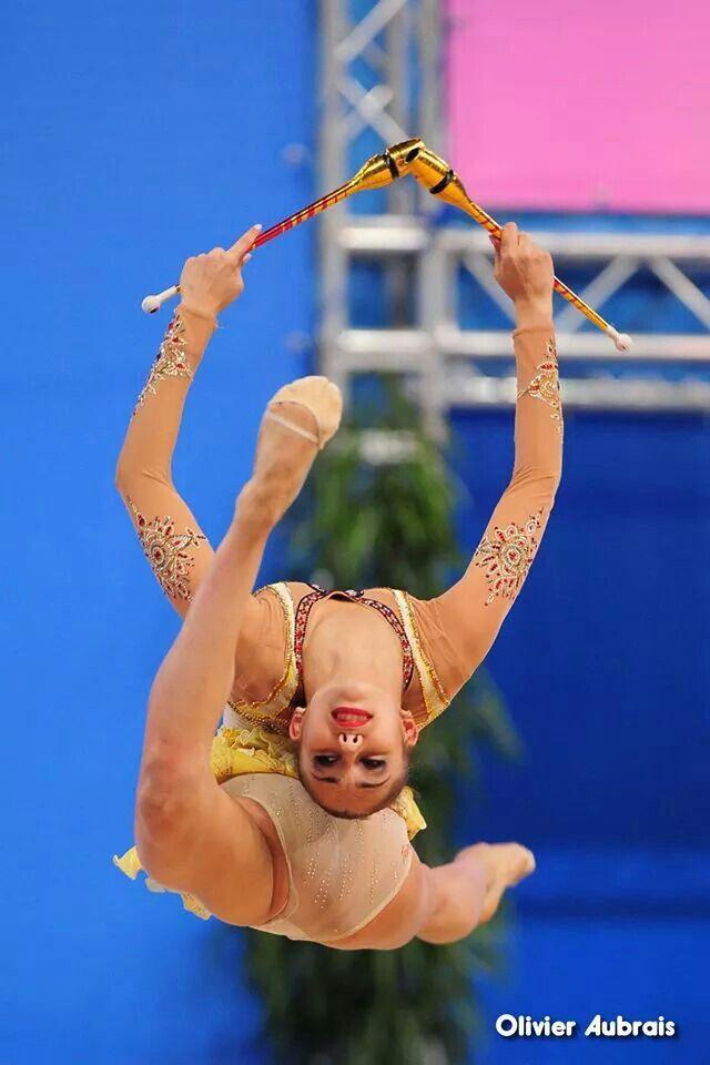 Margarita Mamun leap - Rhythmic Gymnastics