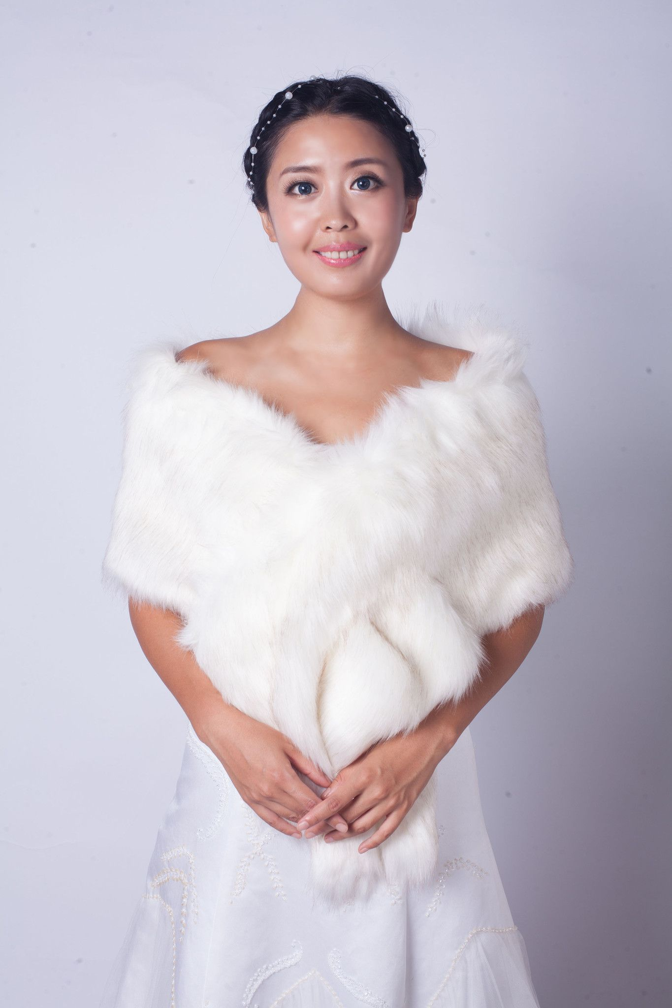 Ivory Wedding Bridal Faux Fur Stole Wrap Shawl Cape (Lilian Wht02)