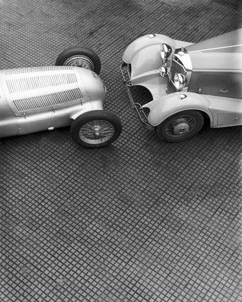 The Amazing Vintage Car Photography of Zoltan Glass