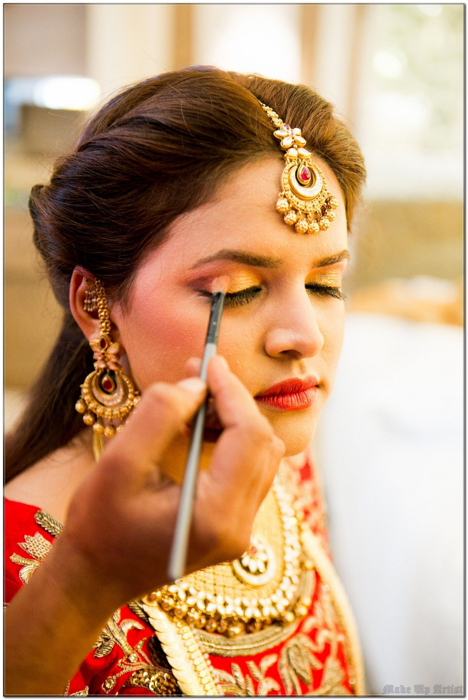 How To Save Money with Make Up Artist?