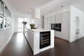 Keuken Gietvloer Witte : Design woonbeton betondesign gietvloer betonlook contrast