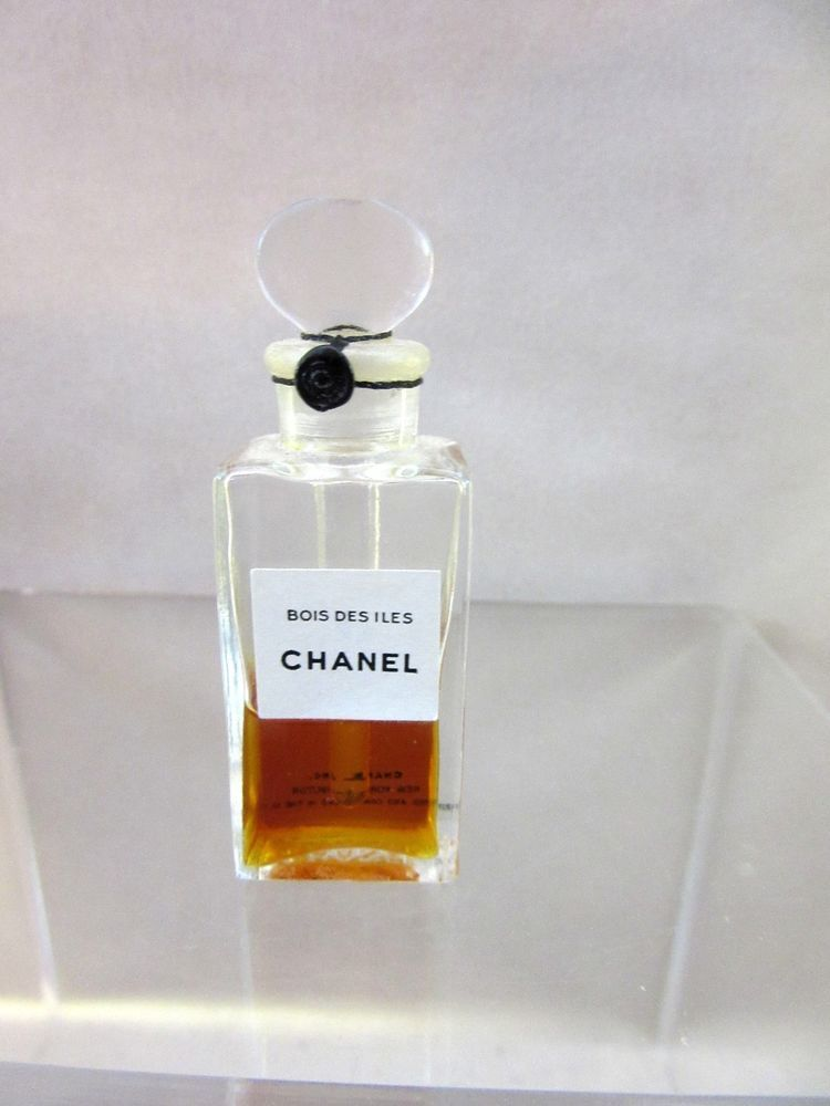 d6b19e4fc2fe Vintage Chanel Bois Des Iles Perfume Bottle Tester - Sealed and Tied