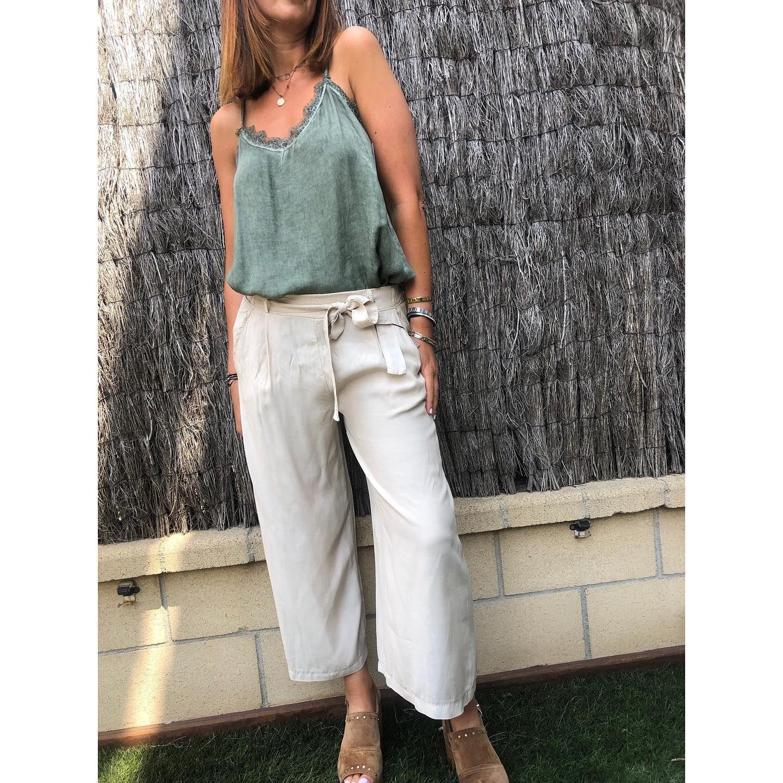 Photo of Nuovi pantaloni larghi e cavigliera, super comodi e cool … disponibili anche …