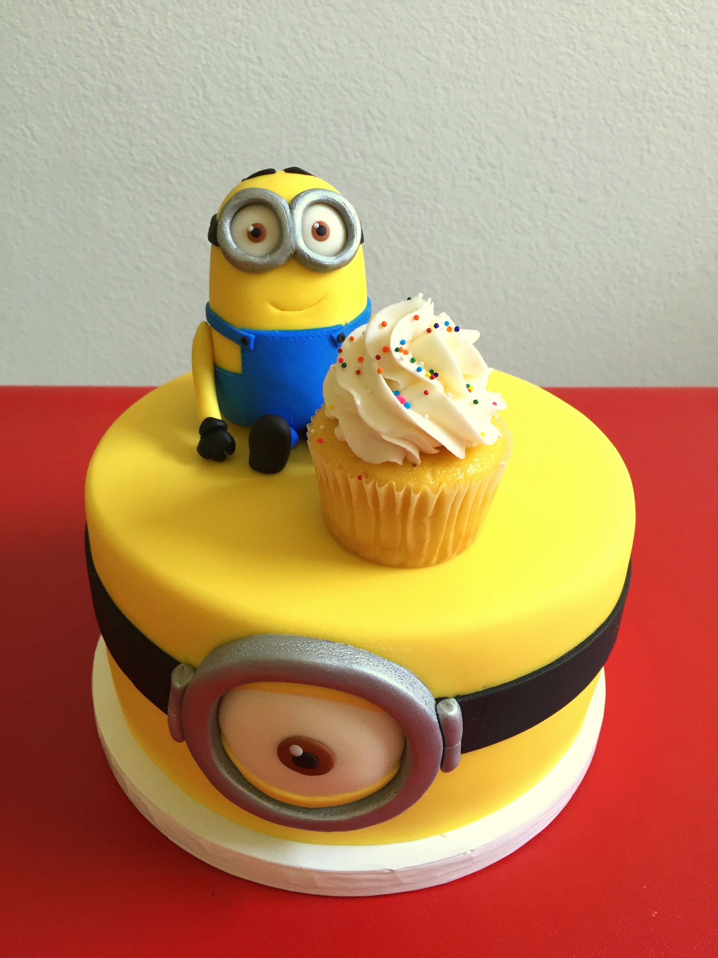 Astonishing Minion Cake With Minion Modeled Cake Topper All Made With Cake Personalised Birthday Cards Cominlily Jamesorg