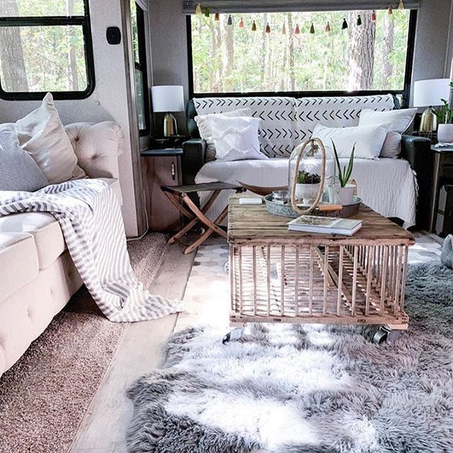 Photo of 77 Full Time RV Living Families You Should Follow on Instagram