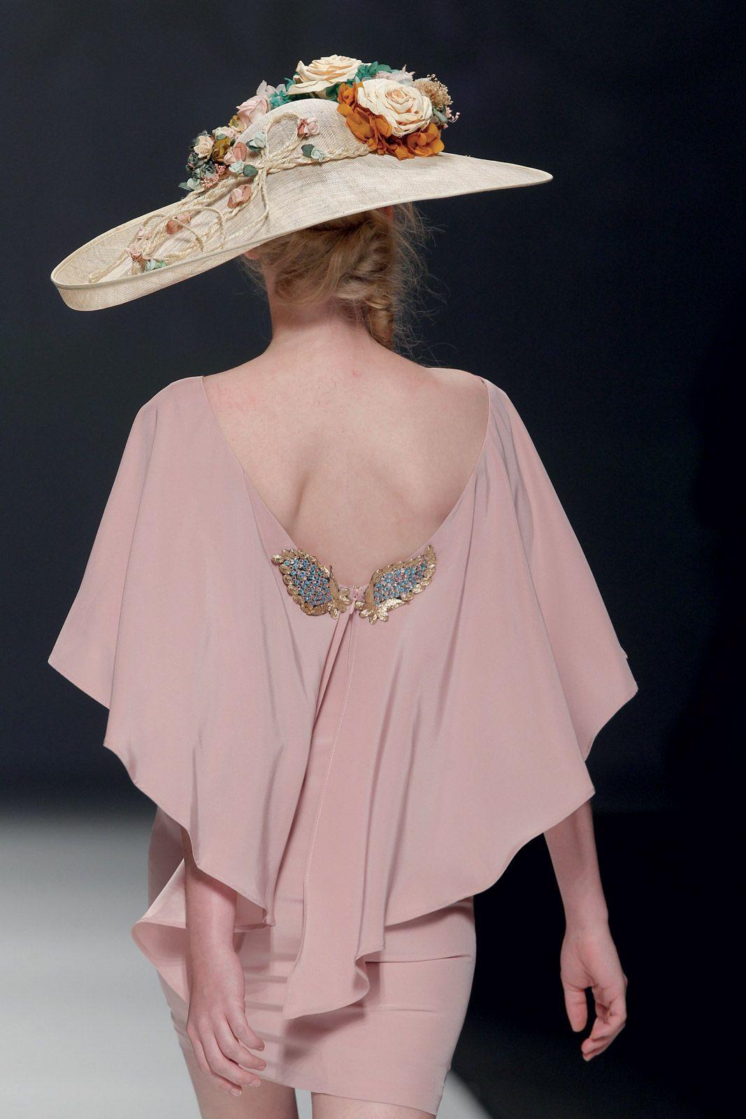 Vestidos de fiesta Matilde Cano Pasarela Gaudí 2015. #Moda #Fashion ...