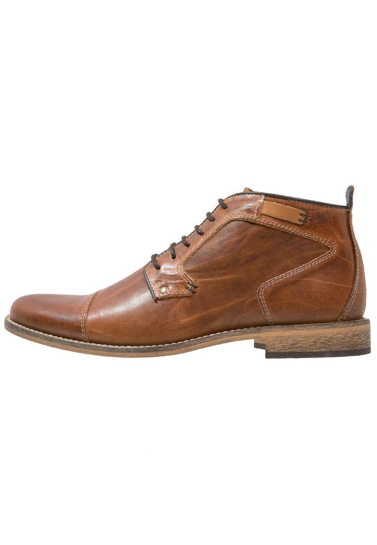 b5098d4fb02 ¡Consigue este tipo de zapatos con cordones de Pier One ahora! Haz clic para