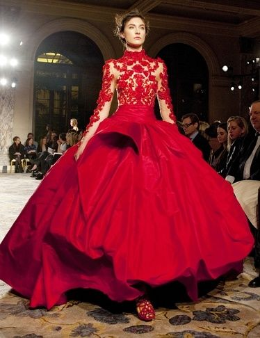 Marchesa ballgown // red dress // haute couture gown // lace
